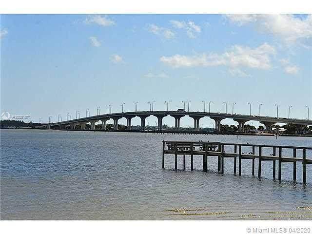4080 NE Indian River Dr, Jensen Beach, FL 34957 (MLS #A10851671) :: Compass FL LLC