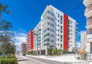7661 NW 107th Ave #408, Doral, FL 33178 (MLS #A10855017) :: Ray De Leon with One Sotheby's International Realty