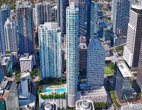 950 Brickell Bay Dr #2208, Miami, FL 33131 (MLS #A10855642) :: The Teri Arbogast Team at Keller Williams Partners SW