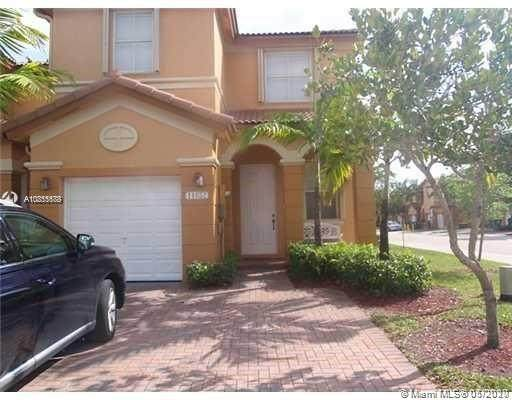 11652 NW 77th Ter #11652, Doral, FL 33178 (MLS #A10855688) :: Prestige Realty Group