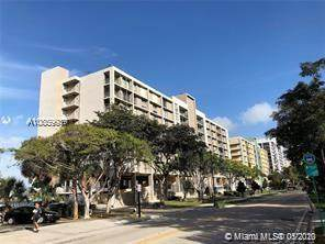 17500 N Bay Rd S601, Sunny Isles Beach, FL 33160 (MLS #A10859939) :: Castelli Real Estate Services