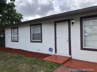 8131 SW 7th Ct, North Lauderdale, FL 33068 (MLS #A10863876) :: Laurie Finkelstein Reader Team