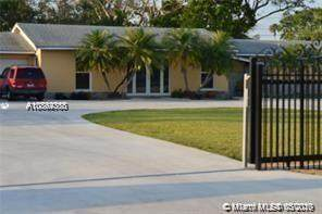 247 NE 19th St, Homestead, FL 33030 (MLS #A10864368) :: The Riley Smith Group