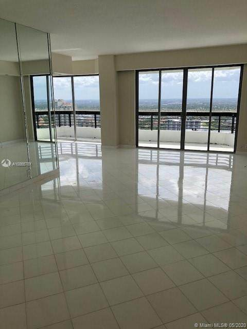 3500 Mystic Pointe Dr Ph1, Aventura, FL 33180 (MLS #A10865781) :: Carole Smith Real Estate Team