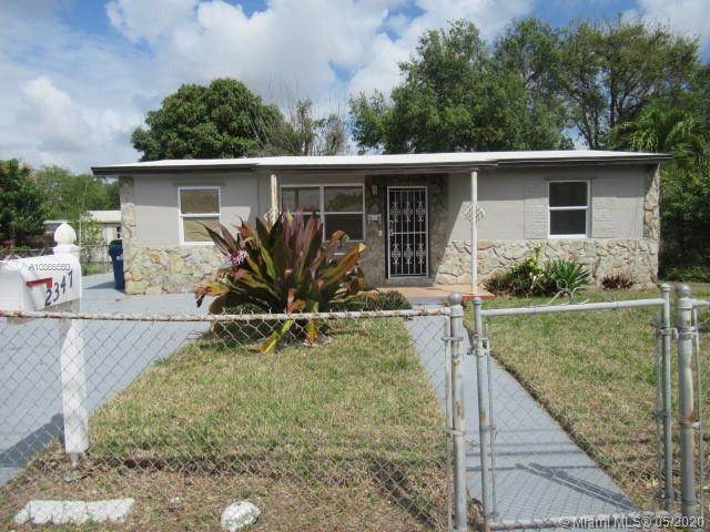 2347 NW 152nd Ter, Miami Gardens, FL 33054 (MLS #A10866550) :: Lucido Global