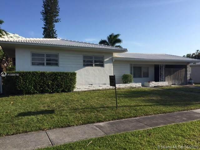 2006 NE 124th St, North Miami, FL 33181 (MLS #A10866780) :: Laurie Finkelstein Reader Team