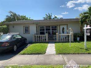 200 NE 17th Ct, Pompano Beach, FL 33060 (#A10866906) :: Dalton Wade