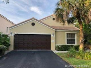 1101 NW 107th Ter, Plantation, FL 33322 (MLS #A10867911) :: The Teri Arbogast Team at Keller Williams Partners SW