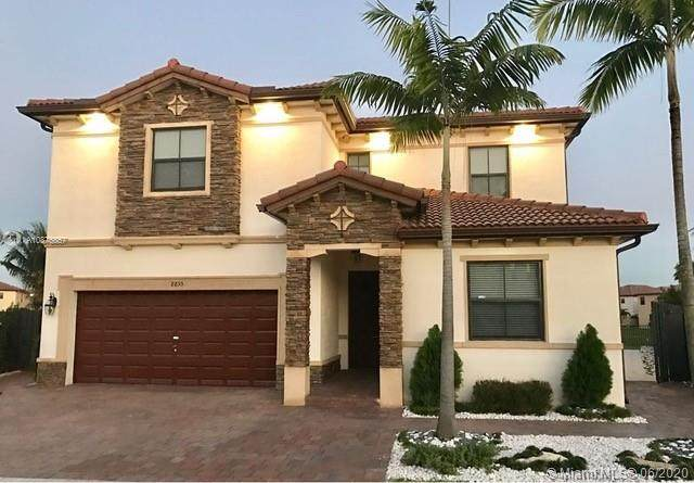 8855 NW 99th Ave, Doral, FL 33178 (MLS #A10875857) :: Prestige Realty Group