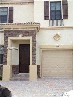 642 NE 193rd Ter, Miami, FL 33179 (MLS #A10877053) :: Berkshire Hathaway HomeServices EWM Realty
