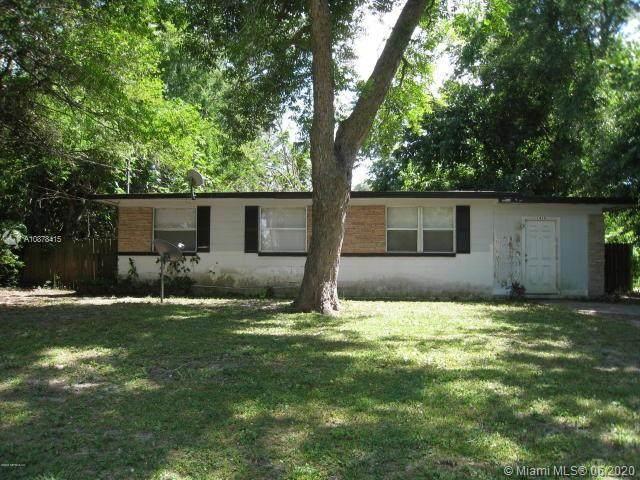 1424 Breton Rd, Jacksonville, FL 32208 (MLS #A10878415) :: Berkshire Hathaway HomeServices EWM Realty