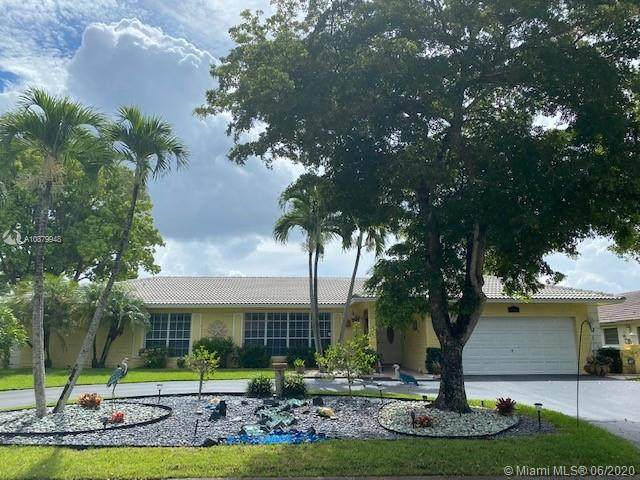 1693 NW 100th Dr, Coral Springs, FL 33071 (MLS #A10879948) :: Berkshire Hathaway HomeServices EWM Realty