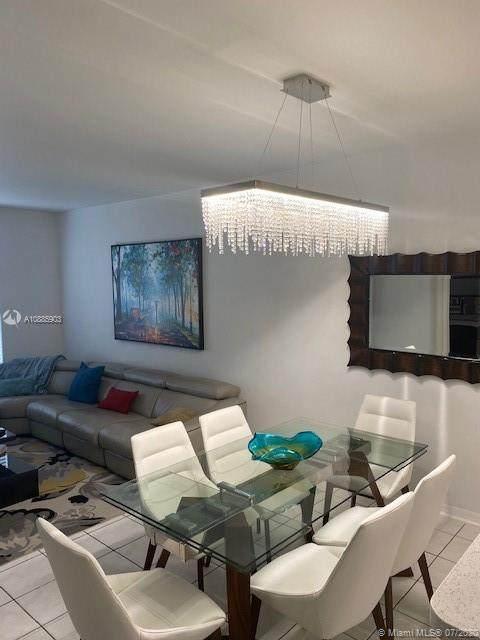 1031 SW 42nd Ave, Deerfield Beach, FL 33442 (MLS #A10885903) :: Berkshire Hathaway HomeServices EWM Realty