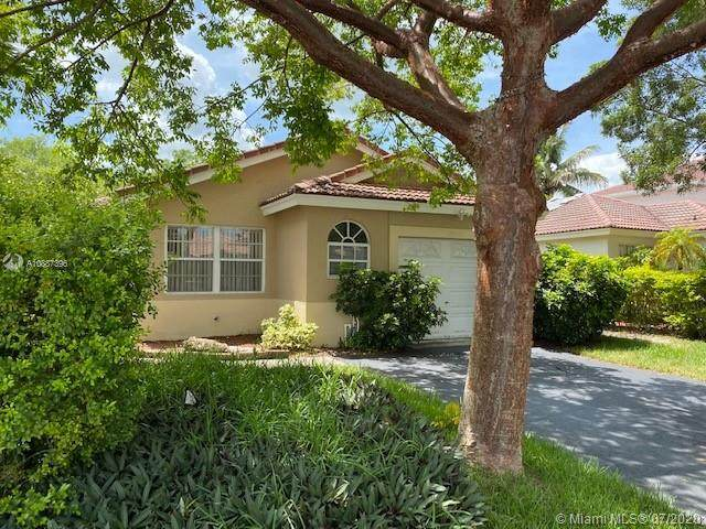 13428 NW 5th Ct, Plantation, FL 33325 (MLS #A10887396) :: United Realty Group