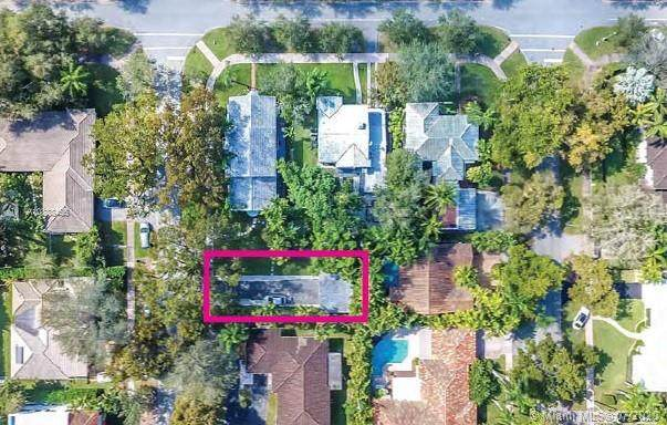 2915 Segovia St, Coral Gables, FL 33134 (MLS #A10888455) :: The Riley Smith Group