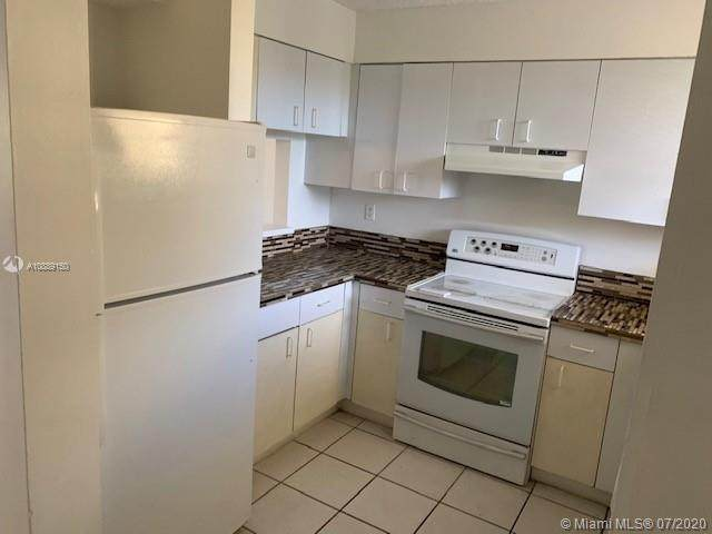 14931 SW 82nd Ln 18-405, Miami, FL 33193 (MLS #A10889150) :: THE BANNON GROUP at RE/MAX CONSULTANTS REALTY I