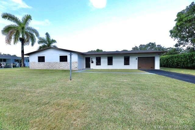 Palmetto Bay, FL 33157 :: Berkshire Hathaway HomeServices EWM Realty