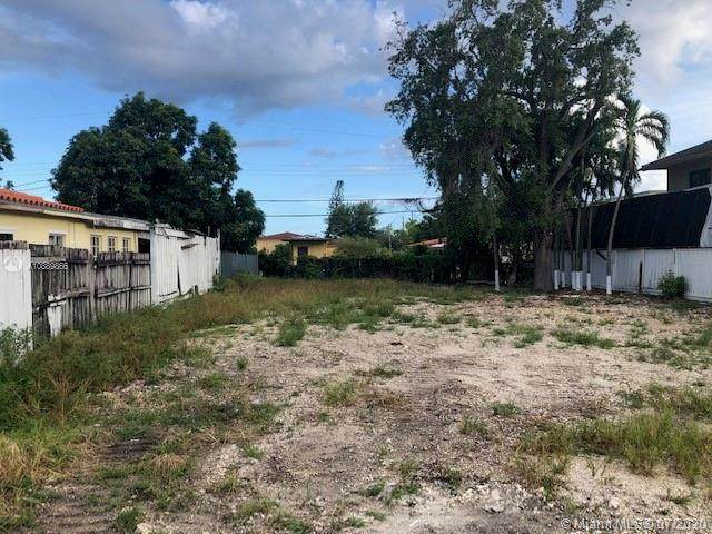 3266 SW 25th Ter, Miami, FL 33133 (MLS #A10889866) :: Prestige Realty Group