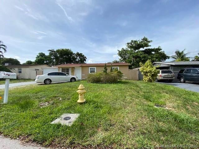 4313 SW 49th St, Dania Beach, FL 33314 (MLS #A10891550) :: Albert Garcia Team