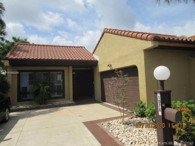 1078 NE 203rd Ln, Miami, FL 33179 (MLS #A10892086) :: Berkshire Hathaway HomeServices EWM Realty