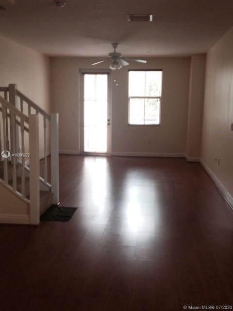 261 13th Terrace - Photo 1