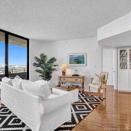 1330 West Ave #1909, Miami Beach, FL 33139 (MLS #A10895340) :: The Pearl Realty Group