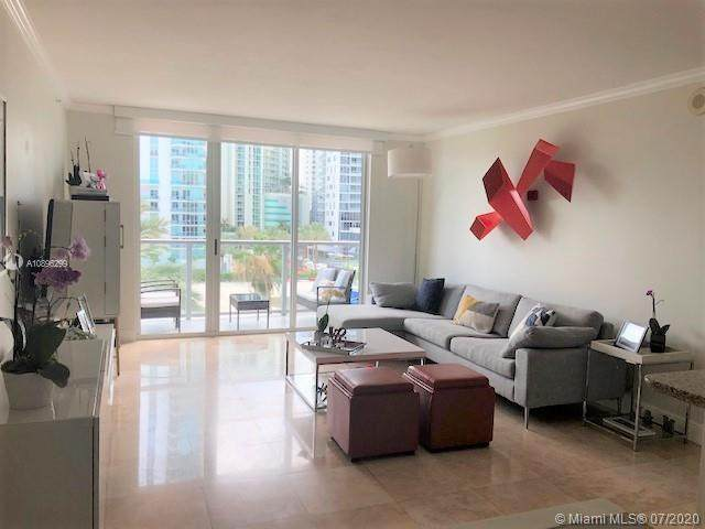 1155 Brickell Bay Dr #409, Miami, FL 33131 (MLS #A10896299) :: Carole Smith Real Estate Team