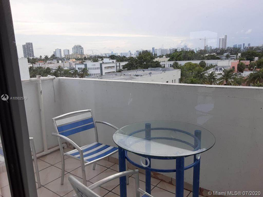 1418 Collins Ave - Photo 1