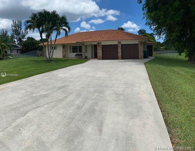 2840 SW 155th Ln, Davie, FL 33331 (MLS #A10905301) :: Green Realty Properties