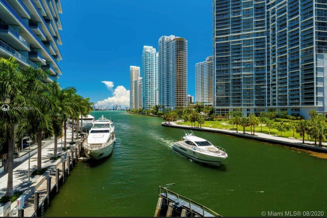 200 Biscayne - Photo 1