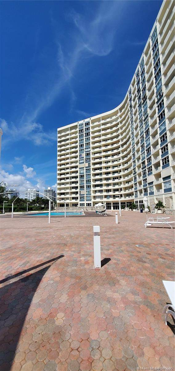 3180 S Ocean Dr #122, Hallandale Beach, FL 33009 (MLS #A10919637) :: Re/Max PowerPro Realty