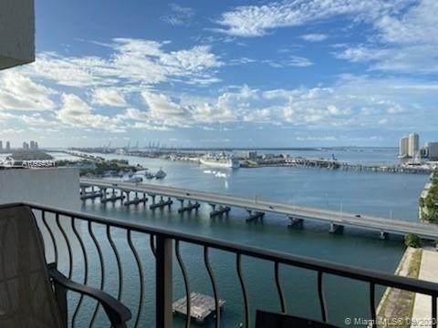 555 NE 15th St 29J, Miami, FL 33132 (MLS #A10924041) :: Carole Smith Real Estate Team