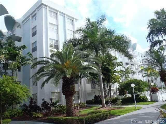 486 NW 165th St Rd B303, Miami, FL 33169 (MLS #A10924709) :: Re/Max PowerPro Realty