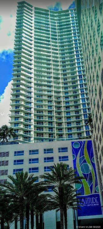 185 SW 7th St #802, Miami, FL 33130 (MLS #A10926450) :: Carole Smith Real Estate Team