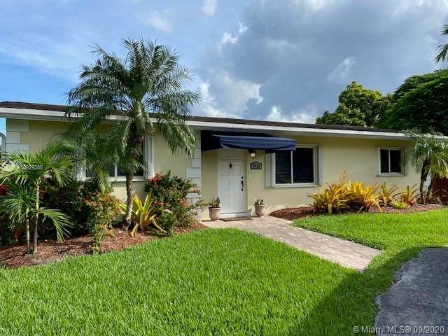 9523 SW 79th Ter, Miami, FL 33173 (MLS #A10929286) :: Berkshire Hathaway HomeServices EWM Realty