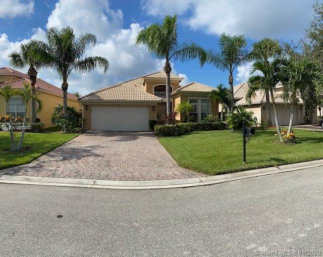 320 NW Stratford Ln, Port Saint Lucie, FL 34983 (MLS #A10930053) :: Patty Accorto Team
