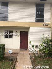 3321 Raleigh St 3D, Hollywood, FL 33021 (MLS #A10930604) :: Berkshire Hathaway HomeServices EWM Realty