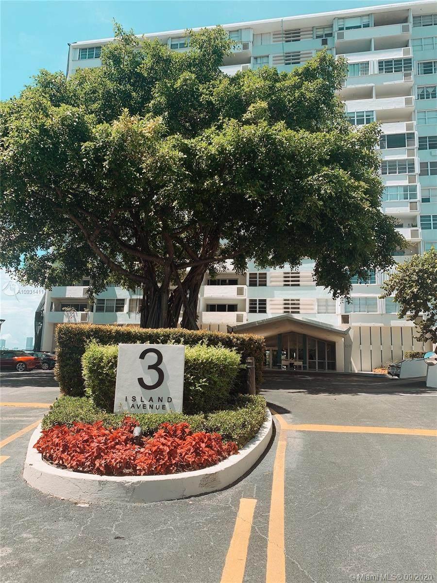 3 Island Ave - Photo 1