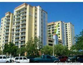 5085 NW 7th St #416, Miami, FL 33126 (MLS #A10931418) :: Berkshire Hathaway HomeServices EWM Realty