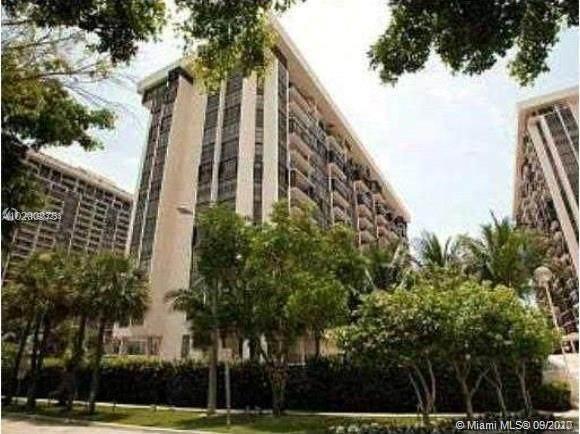 1901 Brickell Ave B405, Miami, FL 33129 (MLS #A10933233) :: Patty Accorto Team