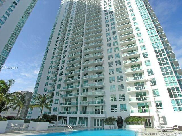 950 Brickell Bay Dr #4208, Miami, FL 33131 (MLS #A10933548) :: Patty Accorto Team