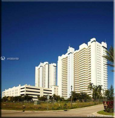 14951 Royal Oaks Ln #308, North Miami, FL 33181 (MLS #A10934159) :: Berkshire Hathaway HomeServices EWM Realty