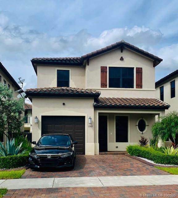 3383 W 97th Ter, Hialeah, FL 33018 (MLS #A10936308) :: Berkshire Hathaway HomeServices EWM Realty