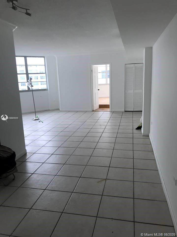 999 Brickell Bay Dr - Photo 1