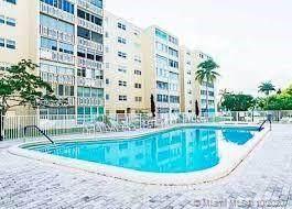 500 NE 12th Ave #603, Hallandale Beach, FL 33009 (MLS #A10942262) :: Castelli Real Estate Services