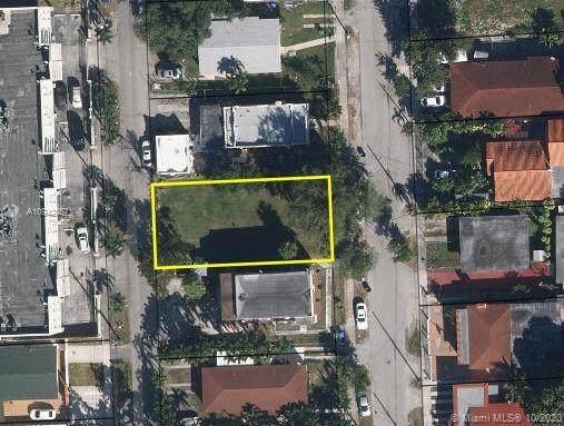 610 NW 25th Ct, Miami, FL 33125 (MLS #A10942857) :: Berkshire Hathaway HomeServices EWM Realty