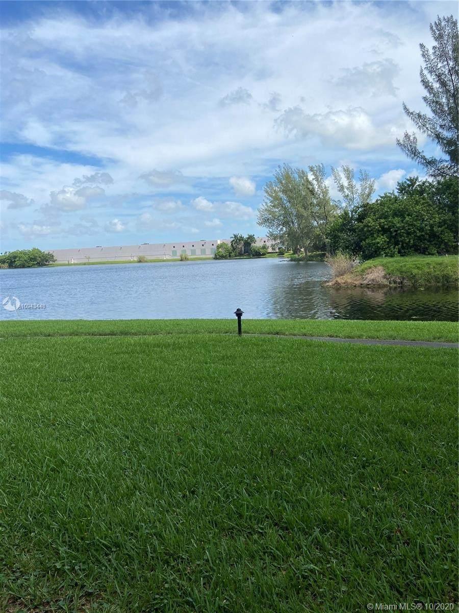 15535 Miami Lakeway - Photo 1