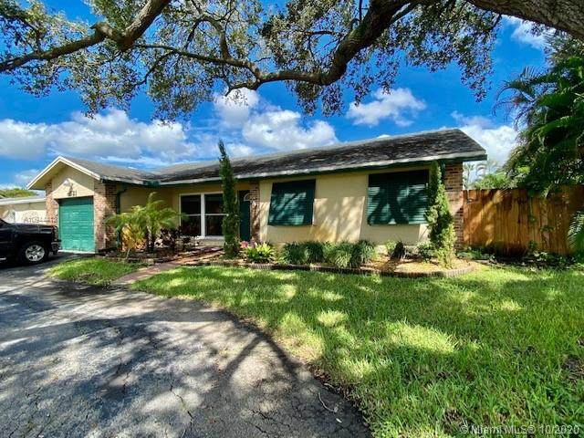 9521 S Johnson St, Pembroke Pines, FL 33024 (MLS #A10944413) :: The Rose Harris Group