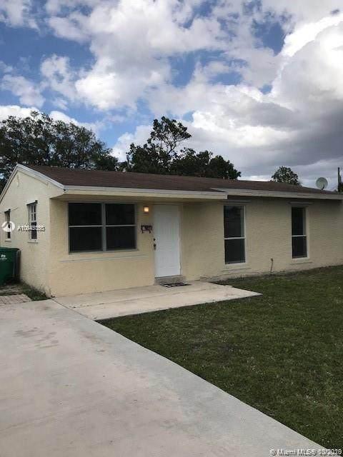 6433 SW 24th St, Miramar, FL 33023 (MLS #A10945055) :: Patty Accorto Team