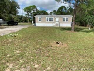 327 Montura, Clewiston, FL 33440 (MLS #A10945217) :: Berkshire Hathaway HomeServices EWM Realty